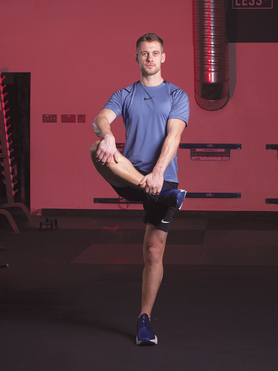 Standing Glute Pull
