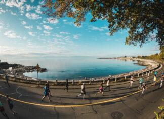 Oceanside views at the 2019 GoodLife Fitness Victoria Marathon