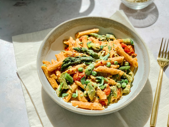 Easy 'Cheesy' Protein-Packed Rosé Pasta